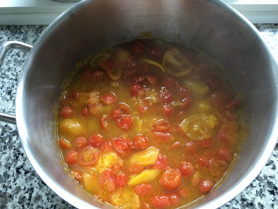 tomatsauce med friske tomater